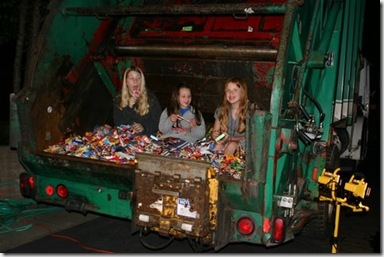kids-in-dump-truck